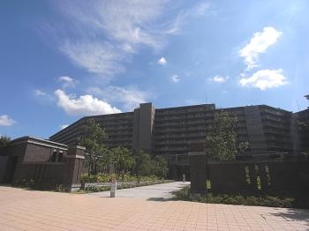 ユニヴェルシオール学園の丘