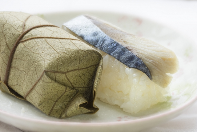 柿葉壽司(柿の葉寿司;kakinoha zushi)